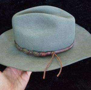 Vintage Mallory hat